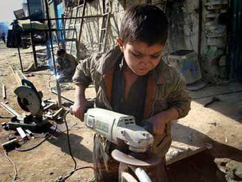 بیانیه ی جمعی از موسسات و  سازمانهای مردم نهاد درباره ی ۱۲ ژوئن روز جهانی مبارزه با کار کودک